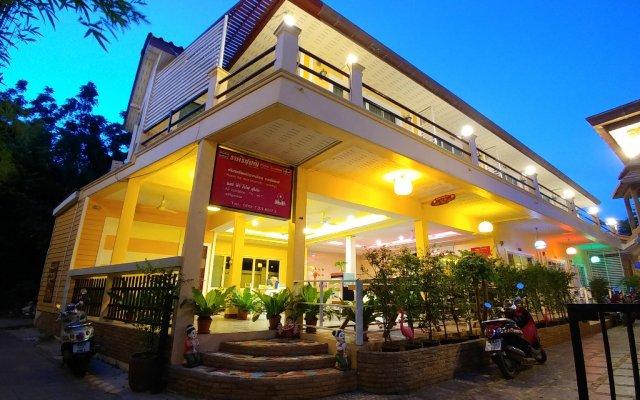 Отель Koh Larn De Beach вид на фасад