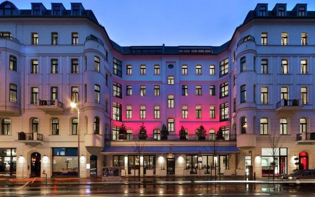 Отель Lux 11 Berlin Mitte Германия, Берлин - отзывы, цены и фото номеров - забронировать отель Lux 11 Berlin Mitte онлайн вид на фасад