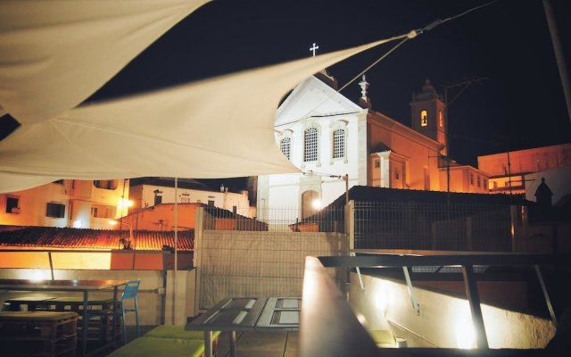 Ale-Hop Albufeira Hostel вид на фасад