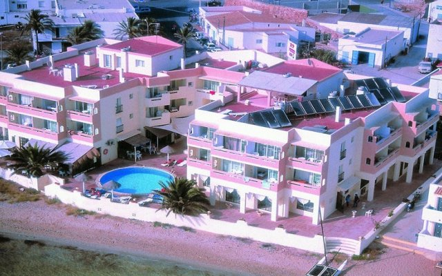 Отель Apartamentos Sabina Playa Испания, Форментера - отзывы, цены и фото номеров - забронировать отель Apartamentos Sabina Playa онлайн вид на фасад