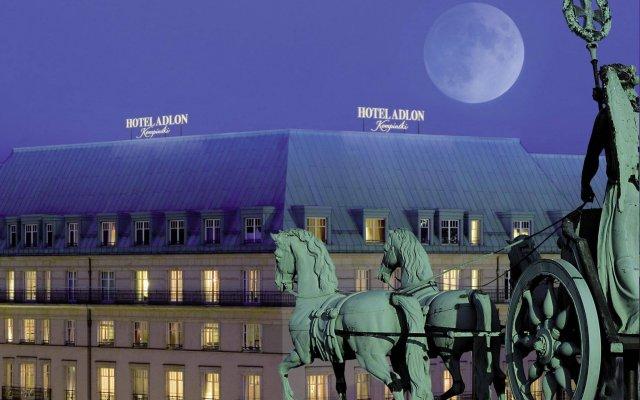 Отель Adlon Kempinski вид на фасад
