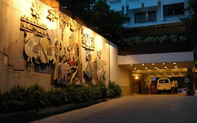 Hotel Savera