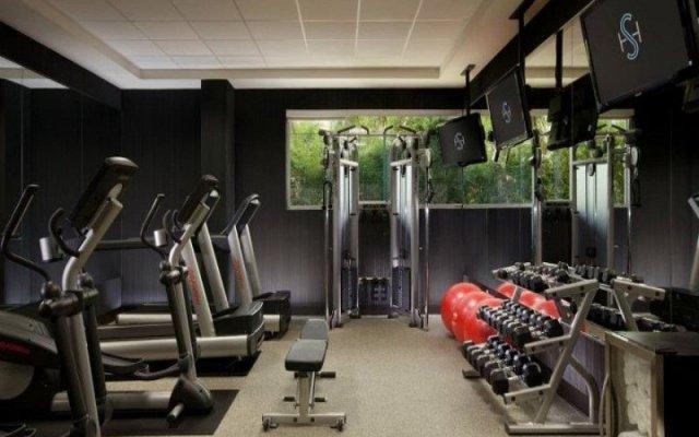 Отель SHORE Санта-Моника фитнесс-зал