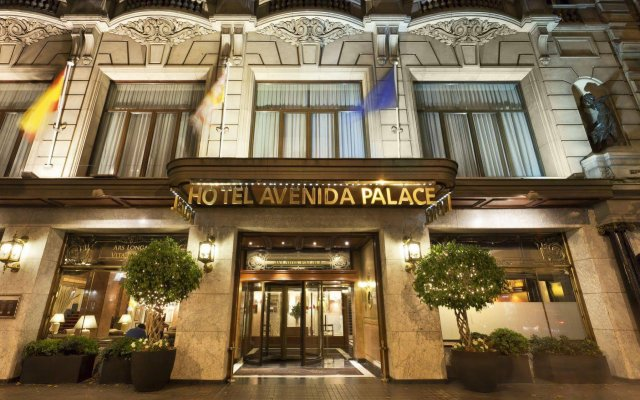 El Avenida Palace Hotel Барселона вид на фасад
