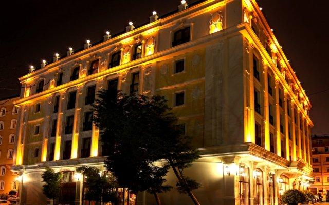 DeLuxe Golden Horn Sultanahmet Hotel вид на фасад