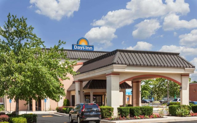 Отель Days Inn Newark Delaware вид на фасад