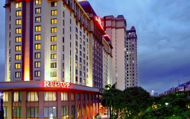 REDTOP Hotel & Convention Center вид на фасад