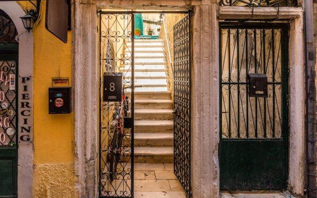 Отель Mantzaros Historic House Греция, Корфу - отзывы, цены и фото номеров - забронировать отель Mantzaros Historic House онлайн вид на фасад