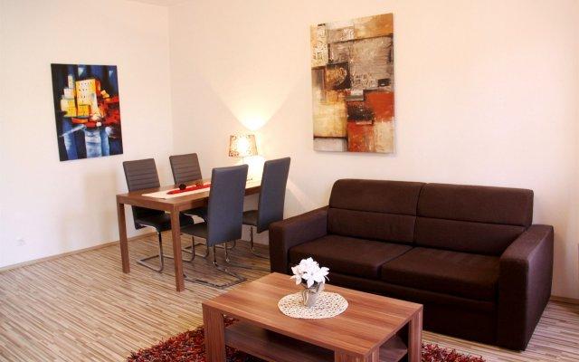 Апартаменты Checkvienna – Apartment Huetteldorfer Strasse Вена комната для гостей