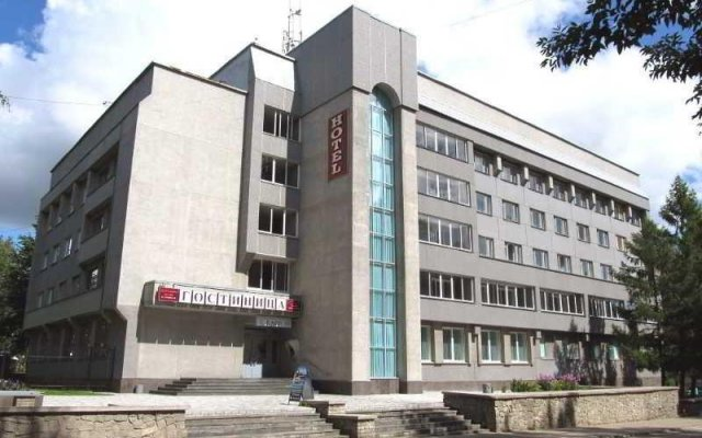 Гостиница Gostinitsa Pravitelstva Kirovskoy Oblasti вид на фасад