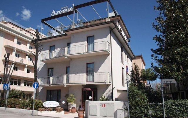 Hotel Arcangelo вид на фасад