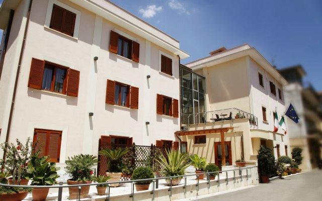 Отель Diana Италия, Помпеи - отзывы, цены и фото номеров - забронировать отель Diana онлайн вид на фасад