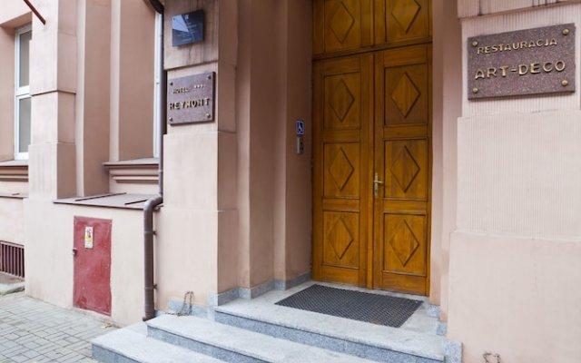 Отель Reymont вид на фасад