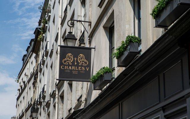 Отель Charles V вид на фасад