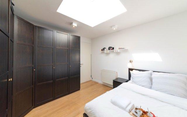 Отель Europea - Residences Saint Boniface Брюссель комната для гостей