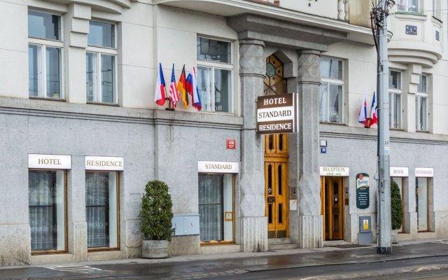 Hotel & Residence Royal Standard вид на фасад