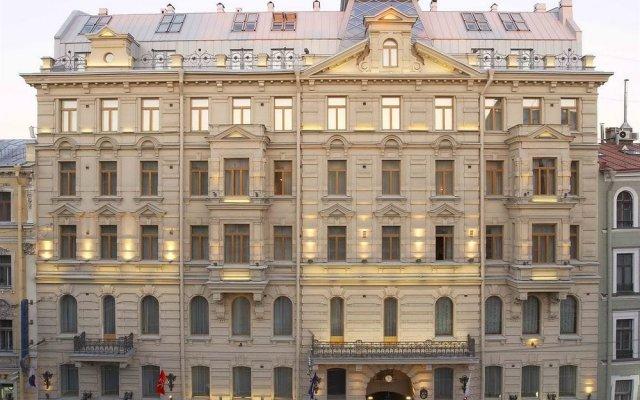 Гостиница Петро Палас вид на фасад