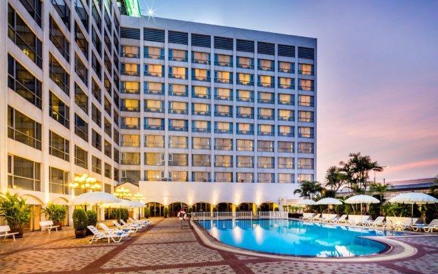 Bangkok Palace Hotel вид на фасад