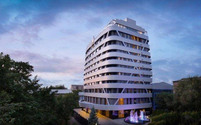 Гостиница DoubleTree by Hilton Almaty вид на фасад