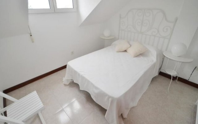 Апартаменты Apartment in Isla, Cantabria 102771 by MO Rentals комната для гостей