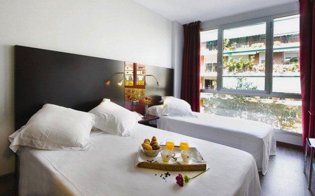 Отель SM Hotel Sant Antoni Испания, Барселона - - забронировать отель SM Hotel Sant Antoni, цены и фото номеров вид на фасад