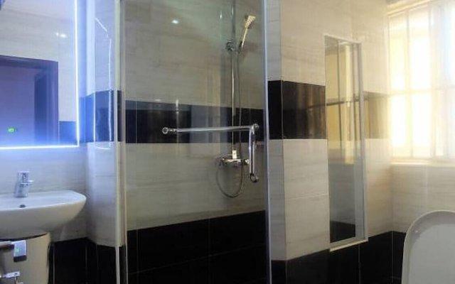 Отель 45 Нигерия, Калабар - отзывы, цены и фото номеров - забронировать отель 45 онлайн ванная