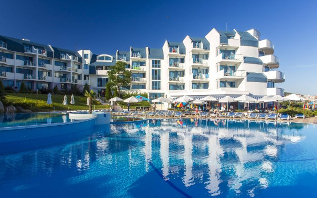 Отель PrimaSol Sineva Beach Hotel - Все включено Болгария, Свети Влас - отзывы, цены и фото номеров - забронировать отель PrimaSol Sineva Beach Hotel - Все включено онлайн вид на фасад