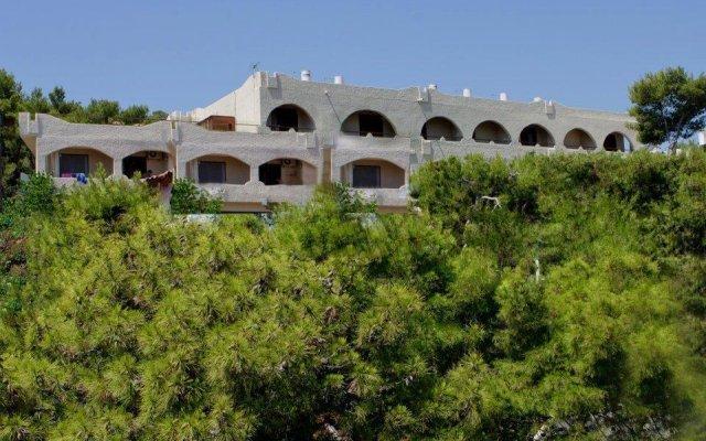 Hotel Abatis вид на фасад