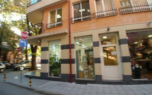 Отель Studio Central Square Болгария, Пловдив - отзывы, цены и фото номеров - забронировать отель Studio Central Square онлайн вид на фасад