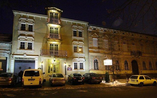 Отель Öreg Miskolcz Hotel Венгрия, Силвашварад - отзывы, цены и фото номеров - забронировать отель Öreg Miskolcz Hotel онлайн вид на фасад