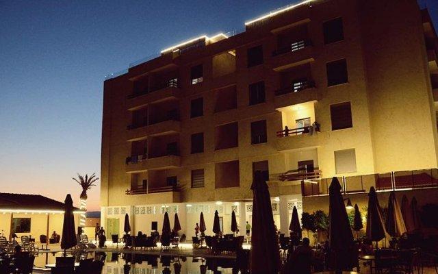 Отель Baron Hotel Apartments Иордания, Сваймех - отзывы, цены и фото номеров - забронировать отель Baron Hotel Apartments онлайн вид на фасад