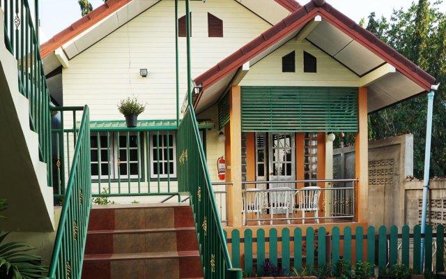 Отель Baan Sukhita вид на фасад