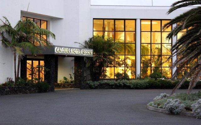Отель Caloura Hotel Resort Португалия, Агуа-де-Пау - 3 отзыва об отеле, цены и фото номеров - забронировать отель Caloura Hotel Resort онлайн вид на фасад