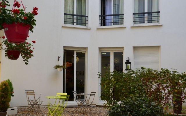 Отель Résidence Capitaine Paoli Париж вид на фасад