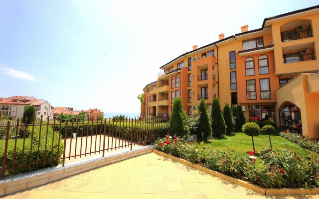 Отель Menada Paradise Dreams Apartments Болгария, Свети Влас - отзывы, цены и фото номеров - забронировать отель Menada Paradise Dreams Apartments онлайн вид на фасад