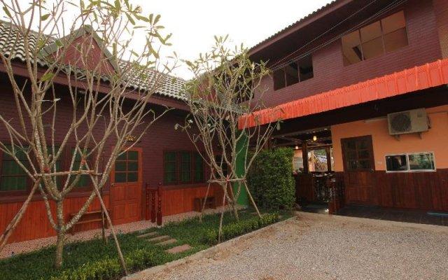 baanbor resort kanchanaburi kanchanaburi thailand zenhotels rh zenhotels com