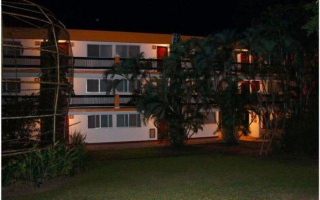 Отель Comfort Inn Palenque Maya Tucán вид на фасад