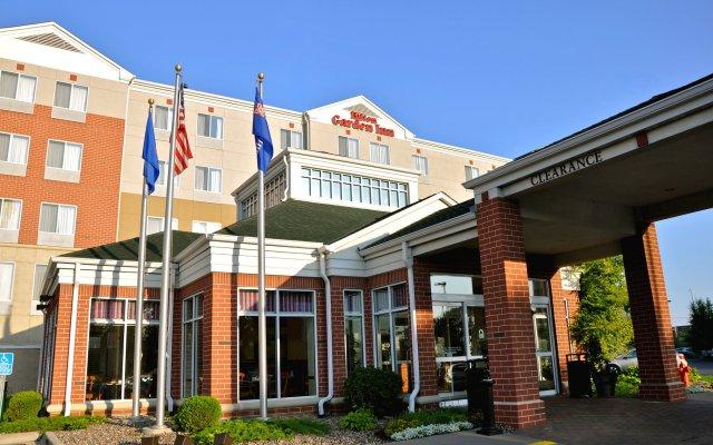 Отель Hilton Garden Inn Bloomington Блумингтон вид на фасад