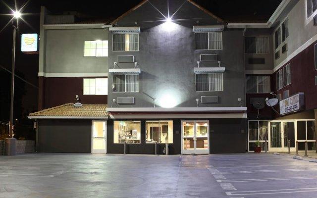 Отель Comfort Inn Los Angeles near Hollywood США, Лос-Анджелес - отзывы, цены и фото номеров - забронировать отель Comfort Inn Los Angeles near Hollywood онлайн вид на фасад