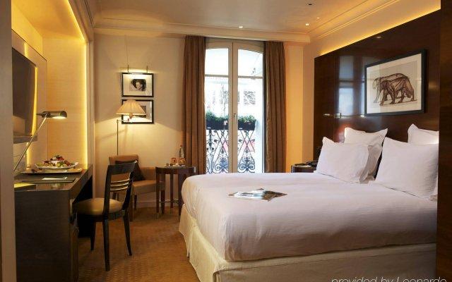 Отель Hôtel Montaigne комната для гостей