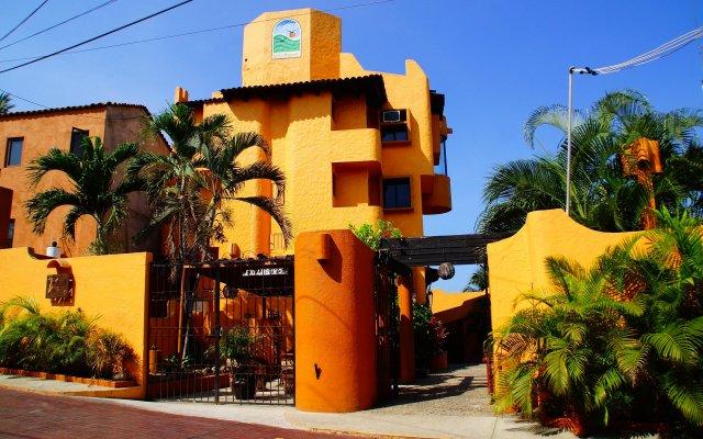 Отель Villas Miramar вид на фасад