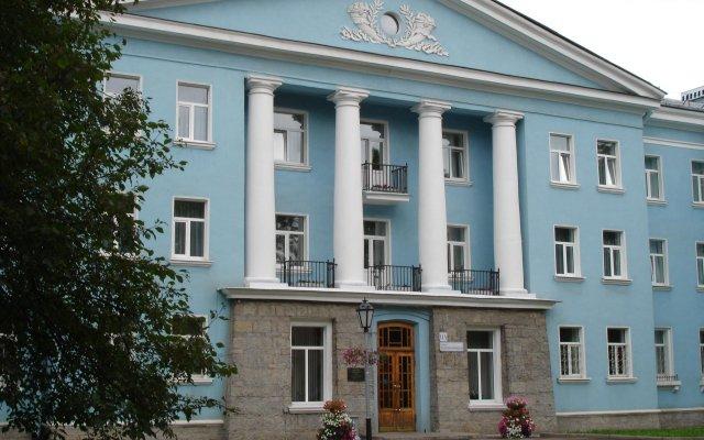 Гостиница Ижора вид на фасад