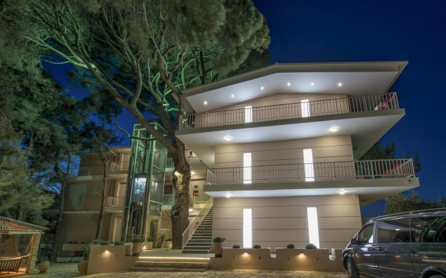 Hotel Koukounaria вид на фасад