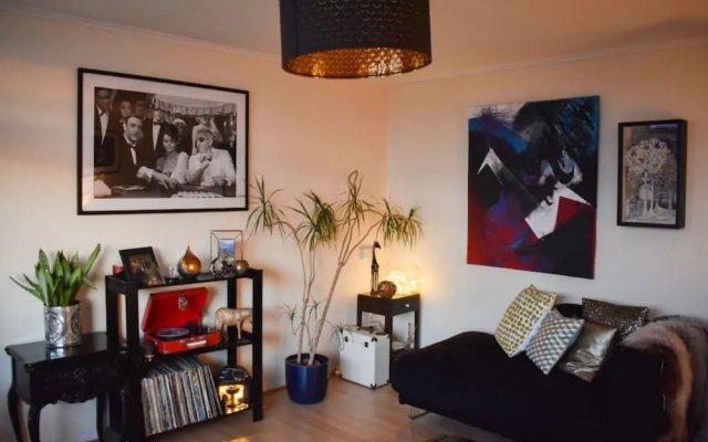 Апартаменты 1 Bedroom Apartment in Kemptown With Views комната для гостей