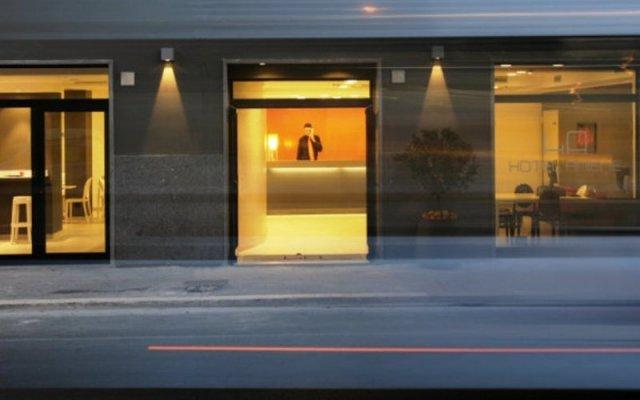 Hotel Aniene вид на фасад