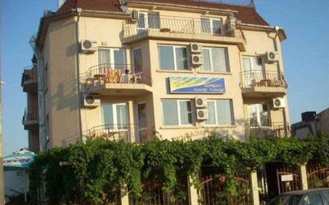 Отель Georgiev Guest House Болгария, Равда - отзывы, цены и фото номеров - забронировать отель Georgiev Guest House онлайн вид на фасад