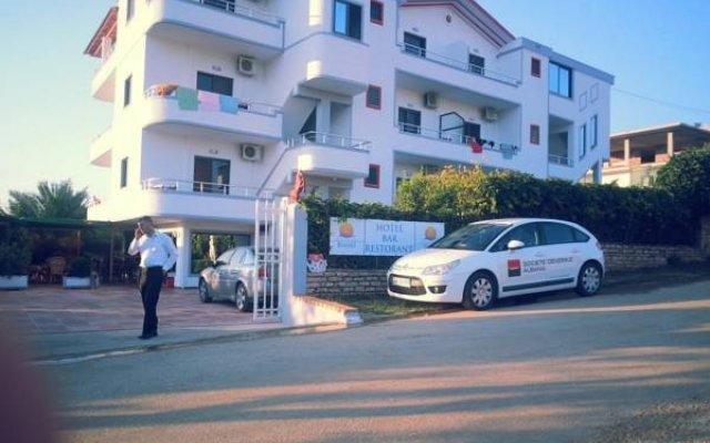 Hotel Vila Park Bujari вид на фасад