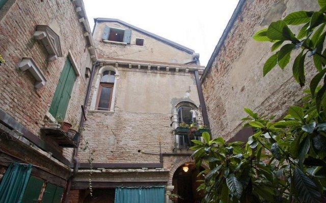 Отель Locappart Cannaregio - Venice City Centre Италия, Венеция - отзывы, цены и фото номеров - забронировать отель Locappart Cannaregio - Venice City Centre онлайн вид на фасад