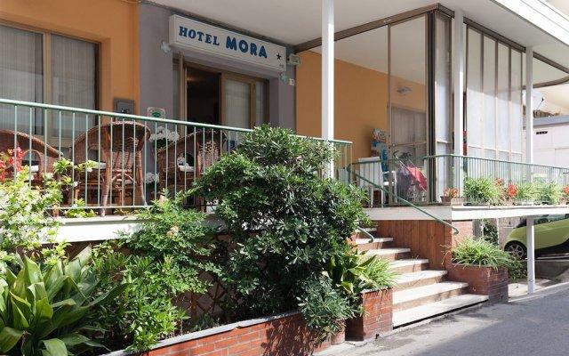 Hotel Mora Римини вид на фасад