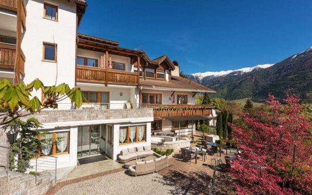 Отель Residence Landhaus Fux Силандро вид на фасад